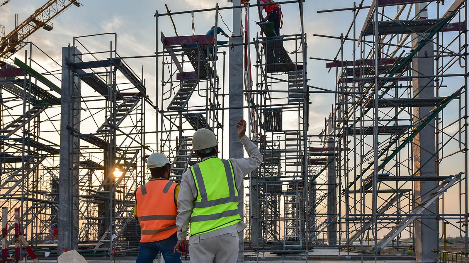 UZMANINDAN YAPISAL ÇÖZÜMLER - 3MC Endüstriyel alanda uzmanlaşmış, bu alanda örnek projelere imza atmış, lider yapı şirketleri arasında öne çıkmıştır. || 3MC Yapı